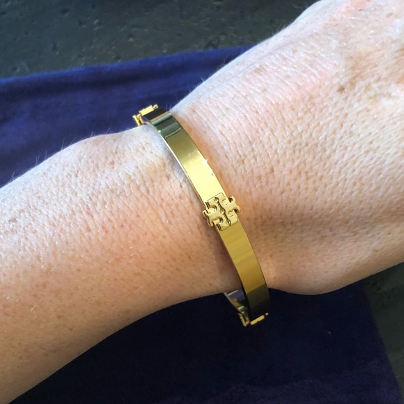 7e66061d15021f Tory Burch Jewelry | Nwot Gold Logo Station Bangle Bracelet | Poshmark